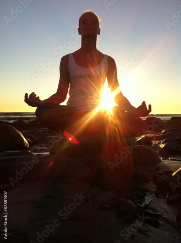 canvas print picture Meditation am Strand