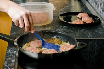 Zubereitung von Fleischbällchen