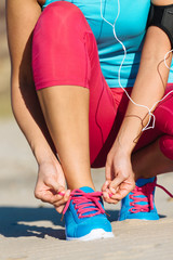 Runner lacing sport footwear