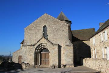 L'église de Ladignac-le-Long.