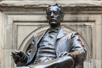 Statue of Giacomo Puccini