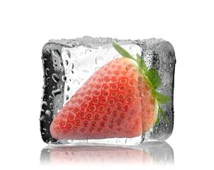 Truskawka w kostce lodu