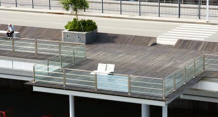 Espacio de relax y mirador del puerto de Génova, Italia