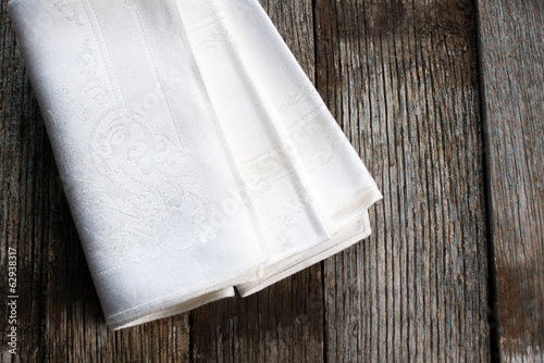 White cloth napkins
