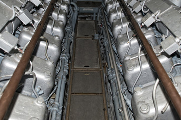 submarine diesel engines