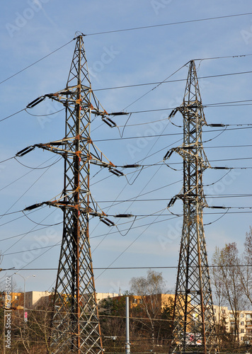 pylons and distribution of electric energy