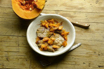 Lonza di maiale con zucca Pork meat with pumpkin