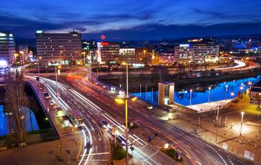 Saarbrücken Nachtaufnahme Wilhelm-Heinrich-Brücke Verkehr