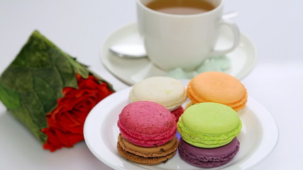 Roses and spinning macaron