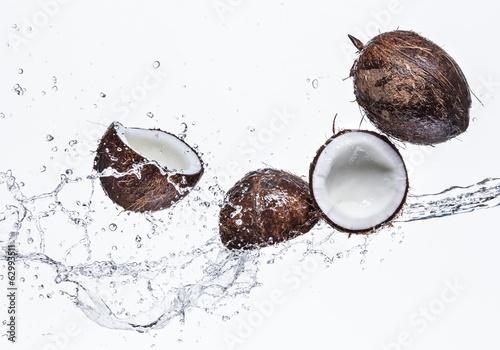 Kokosy z pluskiem wody
