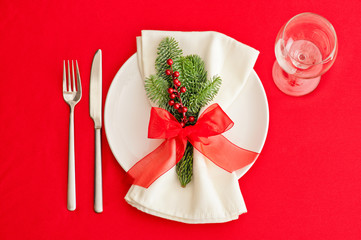 Christmas Dinner table, place setting in red