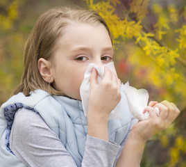 Allergic rhinitis a little girl.