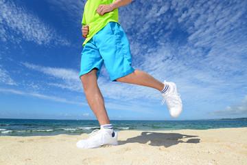 ジョギングを楽しむ男性