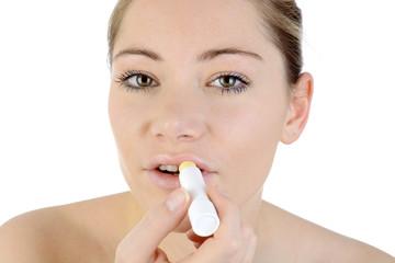 Twen mit Pflegestift für Lippen