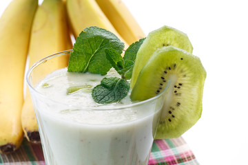 smoothie with kiwi and banana