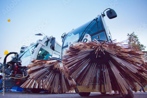 special sweeper machine cleans city road