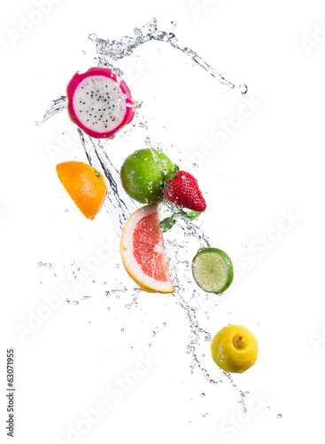 canvas print picture Pieces of exotic fruit in water splash