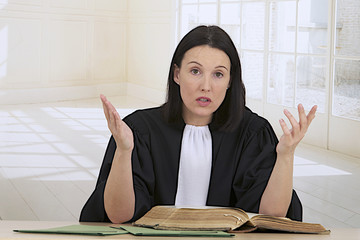 woman lawyer attorney preparing her speech for the defense