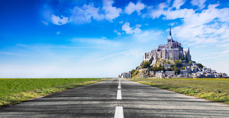 La strada per Mont Saint Michel