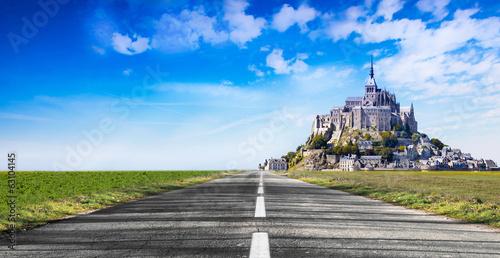 La strada per Mont Saint Michel Poster