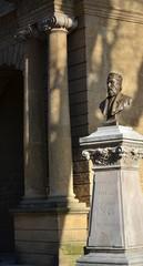SALON-DE-PROVENCE : Buste d'Antoine Blaise Crousillat