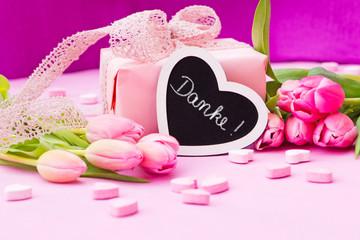rosa Arrangement, Tulpen, Geschenk, Herzen, Tafel, Danke