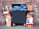 Mülltonne am Straßenrand