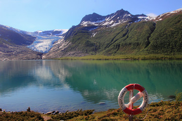 Engeenbreen glacier and red buoy
