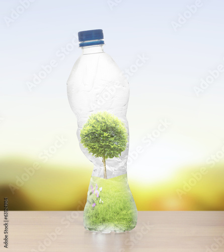 Polycarbonate plastic bottles of mineral recycling