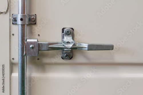 Container door latch