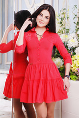 яркое, красное платье