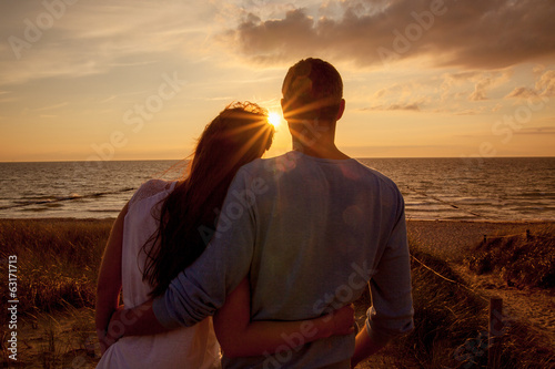 canvas print picture couple sundown sea