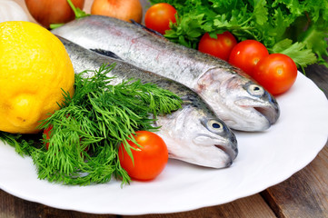 trout with lemon and fresh vegetables