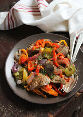 Warm salad with chicken liver and sweet pepper