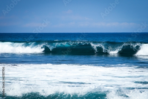 Fotobehang Golven Shore Break Beautiful Ocean Wave in Hawaii