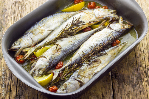 Mackerel baked with tomatoes