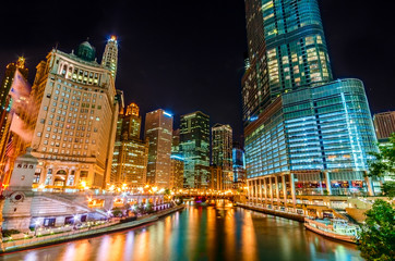 Night in Chicago River