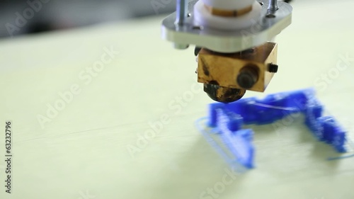 Printing plastic model with Plastic Wire Filament on 3D Printer