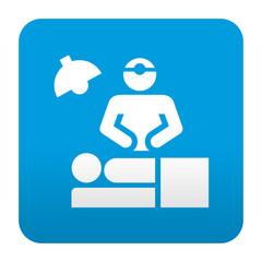 Etiqueta tipo app azul simbolo cirugia