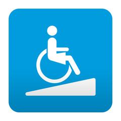 Etiqueta tipo app azul simbolo rampa para minusvalidas