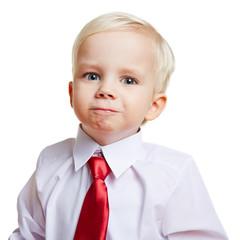 Kind mit Hemd und Krawatte