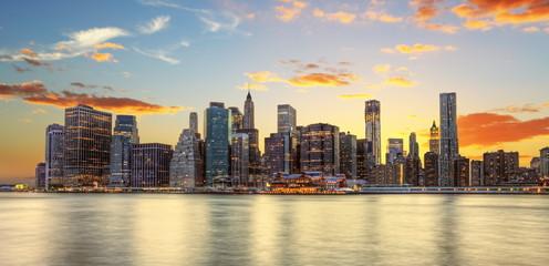 Crépuscule à Manhattan, New York.