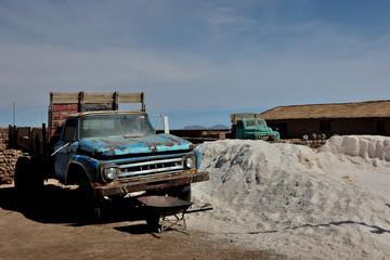 Salar de Uyuni - old truck