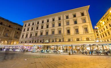 FLORENCE - FEB 20, 2014: Tourists walk in Piazza della Repubblic