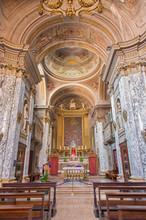 Bolgona - Intérieur de l'église baroque Sainte Marie-Madeleine