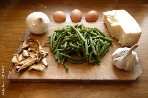 Ingredients for the cake of green beans,