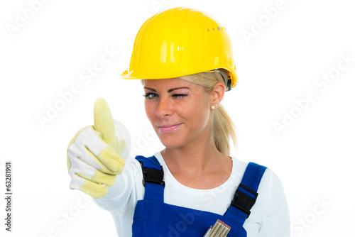 handwerker zwinkert