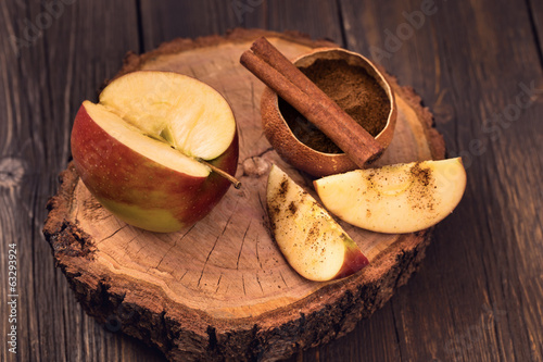 Sliced apple and cinnamon