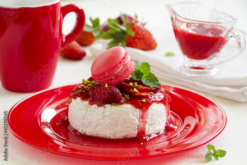 Baked Camembert with strawberry sauce strawberries.