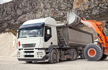 camion trasporto inerti